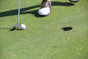 ゴルフでやりがちなミス!パターの際注意すべきポイントは?