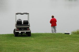 汗を軽減するためゴルフカートを上手く利用