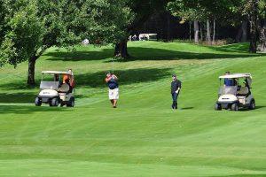 ゴルフ中のスマホのマナーはどうすればいいの