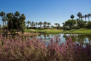 ゴルフコースを回るのに最適なシーズンは?