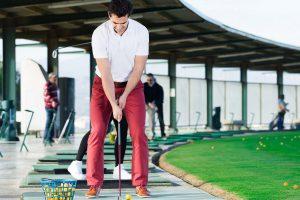 まずは練習場へ行ってゴルフを体験しよう!
