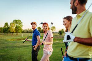 ゴルフウェアを選ぶ時には顔周りの色が肝心!顔映えする色とは?