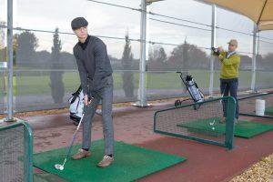 ゴルフが上手く見えるかも!?練習場で使えるアイテムとは?