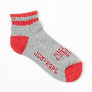 靴下はどんなものを選んでいますか?女性ゴルファーの靴下の選び方