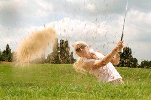 ゴルフのアプローチ!クラブの上手な使い分けでスコアアップ