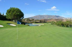 ゴルフ初心者必見!意外とややこしいグリーン上の立ち位置