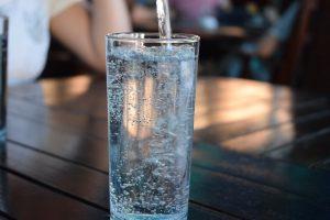 ゴルフのラウンドで必要な水分や栄養は中身ととり方が大事!