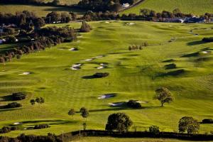 ゴルフのラウンドで耳にする「目土」に遭遇したらどうする?